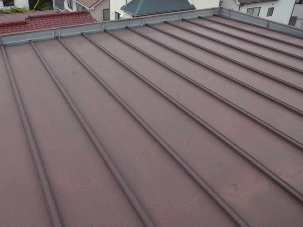 塗膜が劣化した瓦棒屋根