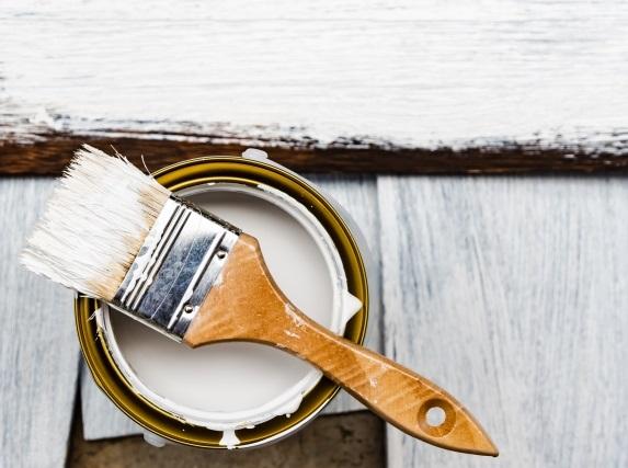 塗料と刷毛