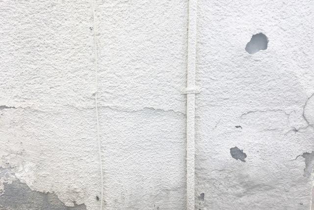 コンクリート壁の剥離