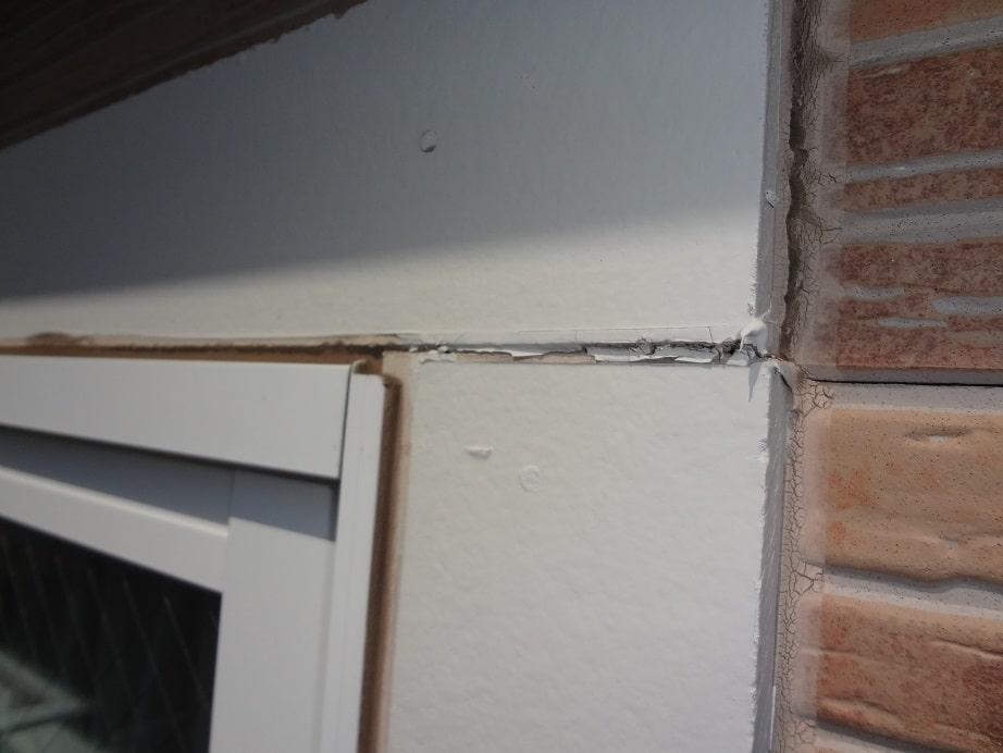 劣化した窓枠