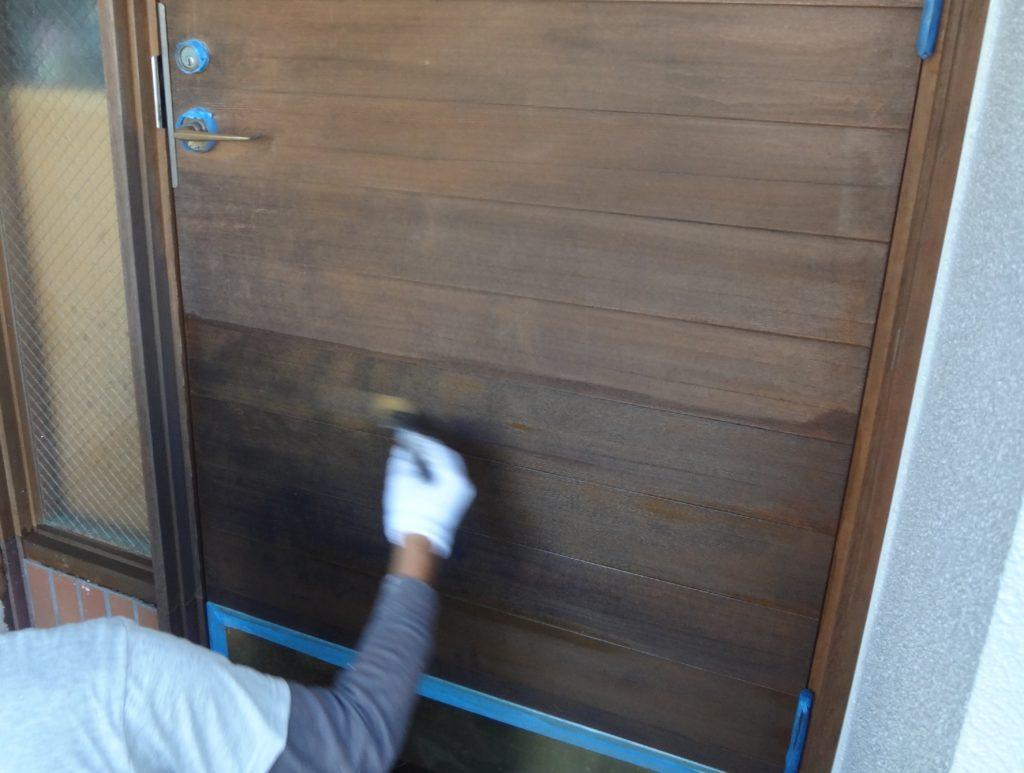 玄関扉の塗装