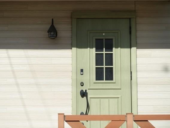 洋風の玄関扉