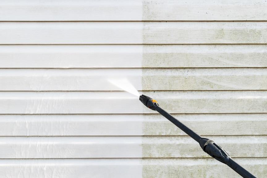 外壁の汚れ除去